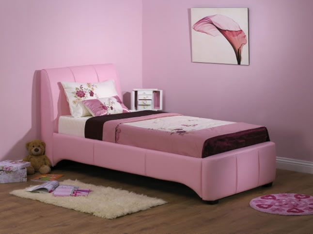 Aliyah, upholstered beds