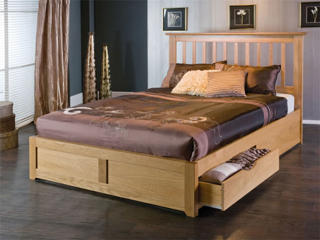 Bianca, wooden beds