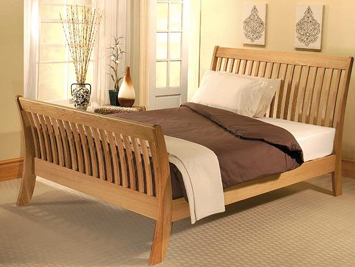 Cordeila, wooden beds