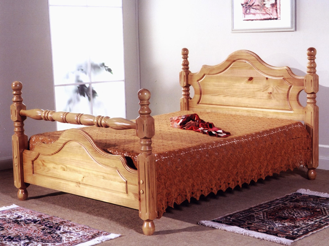 Cotswold, wooden beds