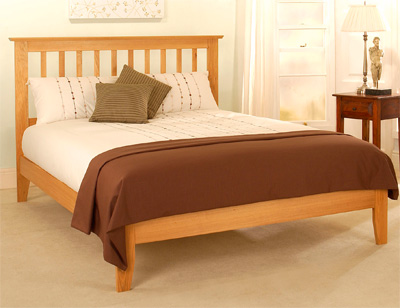 Dione, wooden beds