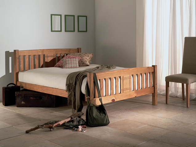 Sedna, wooden beds